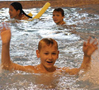 Camp for kids in England - swimmingpool
